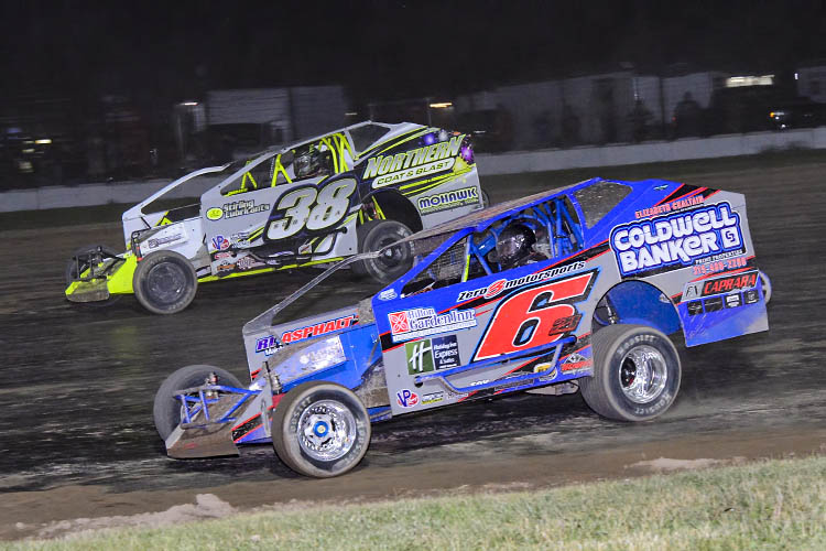 Sobotka Flag-To-Flag Victor In Land Of Legends Sportsman Series Showdown