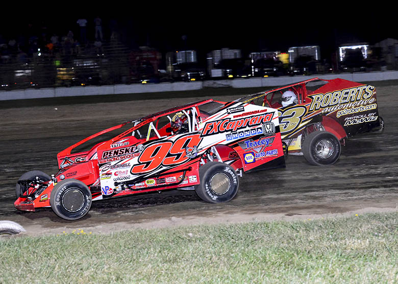Wight & Guererri Thrill LIVE Grandstand Audience In Mid-Week Doubleheader